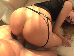 Hot Babe Blauer Engel liebt harten Sex mit Prügel