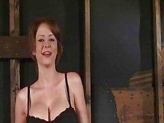 Di Emily Bruno Mondadori Fisico meravigliosa Legati e mi scopano da Fucking Machine - Orgasmi