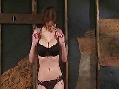 Emily Addison Замечательный Тело привязаны и трахают к ебля машина - Orgasms