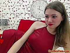 Amateur sexcam slut toying her asshole
