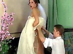 De Jaclyn - de Mike jeune mariée sous la robe