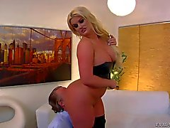 Big ass blonde julie dominates over Tom