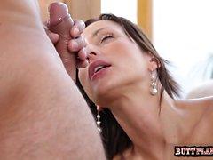 Cowgirl oral sex orgasm