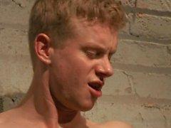 Liam Harkmoore Endures Schwere Torment - Szene 1