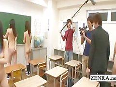 Las escolares japoneses nudist clase de limpias subtítulos