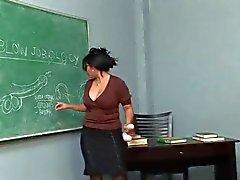 O pechugóa asiático bonito ensina como fazer Blowjobs do . & P Sr.