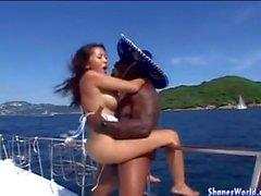 Fanculo caldi per Asian Hotty nel barche