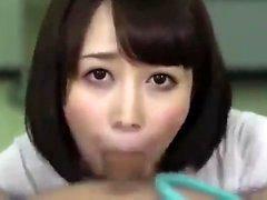 Скрытый японский пупсик делает titjob