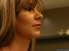 La pornstar plantureuse séduisant d'Esperanza Gomez