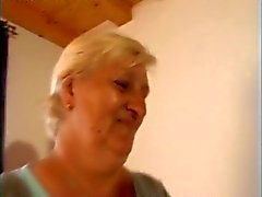 chubby granny fucks with repairman
