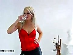 Melissa smotherbox facesitting