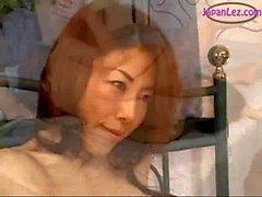 2 filles asiatiques Licking Doigté frotter les Enveloppeuses plus En Ciseau MO ..