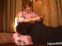 Kiimainen japanilainen MILFS imevät ja vitun Part4