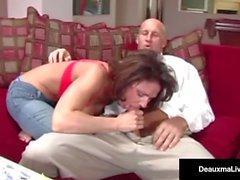Naughty Hustru Deauxma får gratis rådgivning för sex av Tax Man!