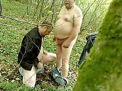 Mollig Papa im Wald - saltarg