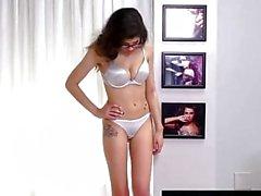 FetishNetwork Ava Taylor Resiste BDSM e sexo áspero