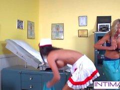IntimeLesben - Jessica, Puma und Nicole fucking frech im Büro