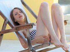 Ugly el coño de apertura muchacha Super Skinny