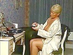 MILF - Alexis Capaldi Boudoir Skäm bort