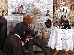 Vovó usa magia negra para fazer sexo