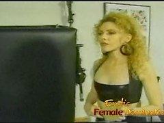 На самом деле горячая блондинка узнает, что только любовница звонки кадры