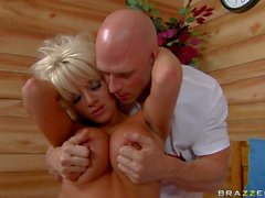 Big boobed blonde London Reagan gets down and nasty