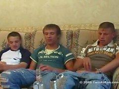 étudiants boisson russe baise
