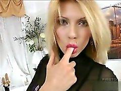 Горячего секс втроем с роскошным блондинка