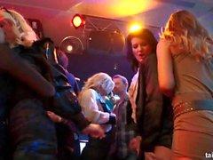 lesbica fantastiche si scatena di un club