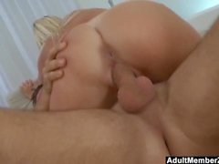 Hot garvade Blonde Cant Take That Big Cock