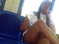 Sexiga ben på tunnelbanan bussen