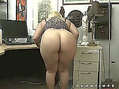 Twerking gran culo en hidden cam