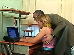 Insegnante di anziano gratificati dalla adolescente attraente