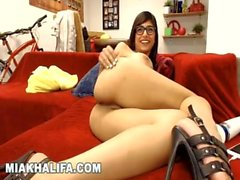 MIA KHALIFA - Hanging Out With My Fans On Camster