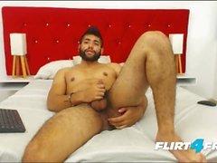 ECIO Murphy sur Flirt4Free - Mec Poilu doigts son cul et Cums