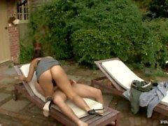 MILF Leah Jaye Gives Gardner a Blowjob before She Swallows His Facial