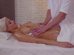 RELAXXXED - Europeiska massage porn i Tjeckiens Tonårs Ria sö