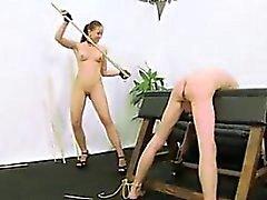 Erotische Erfahrungen Rohrstock Po
