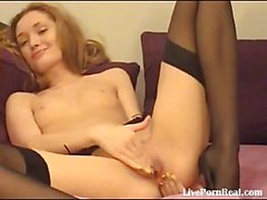 Sexy blonde fingering her pussy til she cums