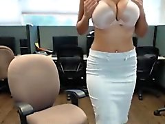 Real indian bhabhi masturbates in public office at work
