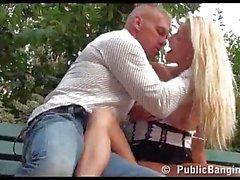 Sexo en público Tower Eiffel de