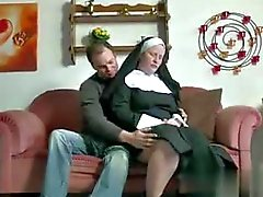Deutsch Jugendlich Junge verleiten Großmutter Nonnen