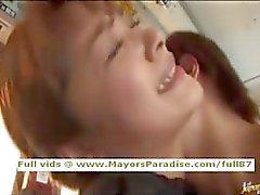 Mihiro onschuldige Chinees meisje geniet een fucking op de bus