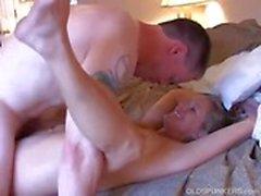 Gorgeous пожилые блондинка любит ебать