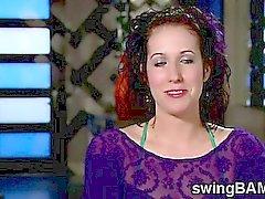 Orgia furiosa avviene nel XXX swinger reality show di