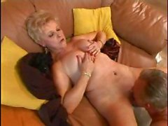Madura Caliente (Hot Mature)