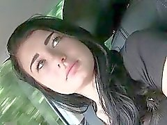 Adolescente de Ana clavado n jizzed en el capó del coche