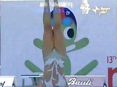 Synchroonzwemmen oops - split benen kut view