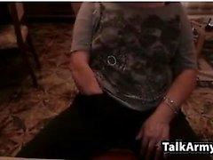 Amateur littlestudent4u piscando boobs em webcam ao vivo
