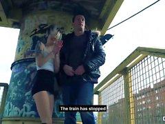 CHICAS LOCA - Sexe public extérieur sauvage avec hottie espagnole Mey Madness